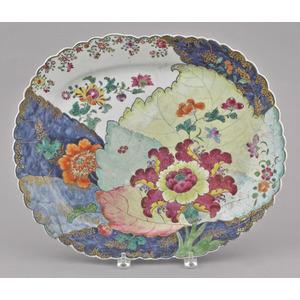 Chinese export porcelain tobacco leaf platter