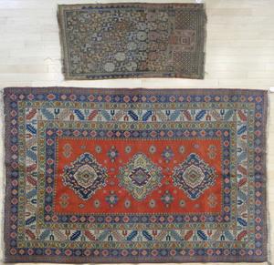 Kazak carpet, mid 20th c., 6' 9