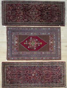 Two Sarouk carpets, 6' 7