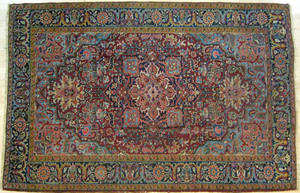 Heriz carpet, ca. 1940, with a central medallion o