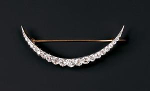 18K yellow gold and platinum diamond crescent broo