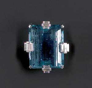 Blue topaz fur clip with platinum setting with fou