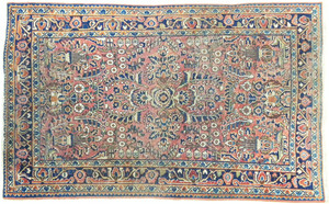 Sarouk carpet, ca. 1920, 5'2