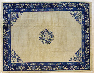 Chinese carpet, early 20th c., 11'7