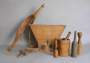 Group of woodenware to include mortar & pestle, gr