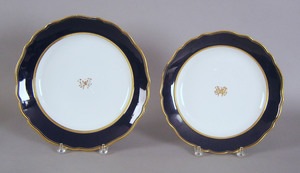 Two Meissen cobalt grand chargers, 19th c., 12