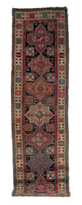 Akstafa runner, ca. 1900, with seven medallions on