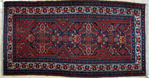 Kurdish carpet, ca. 1920, 5'8