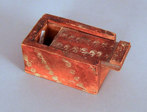 Small painted slide lid box, 19th c., 2 1/2