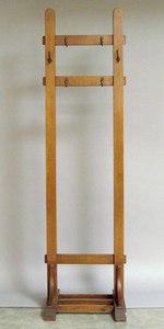 Arts & Crafts oak hat rack, 68