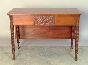 Massachusetts Sheraton mahogany dropleaf table, ca