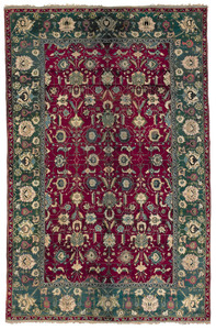 Roomsize Agra, ca. 1900, with overall floral desig