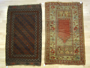 Turkish prayer rug, 5'2