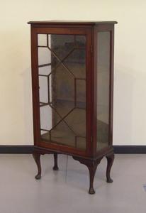 Mahogany vitrine, ca. 1900, 54