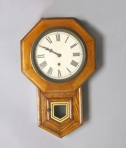 Sessions oak wall clock, 23