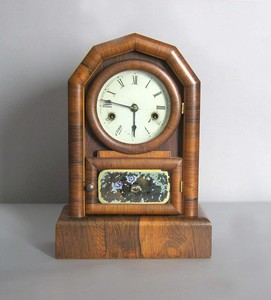 New Haven rosewood veneer shelf clock, 13 3/4