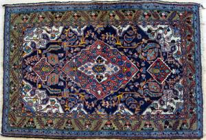 Hamadan throw rug, ca. 1940, 5' x 3'5