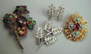 Vintage Sandor floral brooch, ca. 1930s, with gree