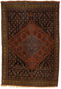 Bidjar throw rug, ca. 1920, with a red medallion o