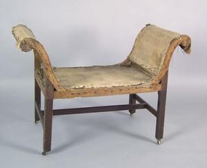 George III mahogany window seat, ca. 1780, with sc