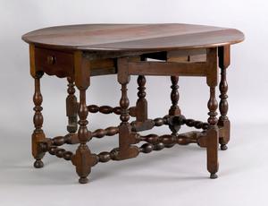 Pennsylvania William & Mary walnut gateleg table,a
