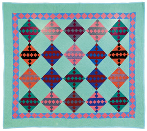Pieced Jacob's Ladder quilt, early 20th c., 83