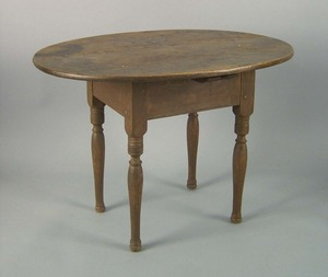 New England pine tavern table, ca. 1770, with an o
