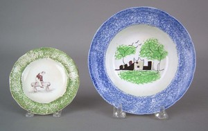 Blue spatter cup plate, 19th c. with fort decorati