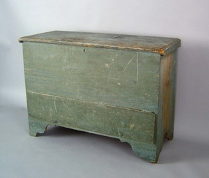 New England painted pine blanket chest, late 18th.