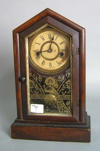 Waterbury 8-day mahogany mantle clock, 15