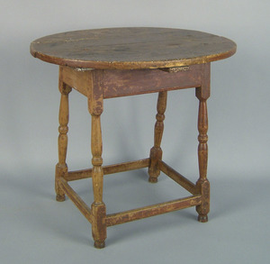 New England Queen Anne pine and maple tavern table