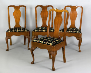 Set of 4 Queen Anne mahogany dining chairs, ca. 17