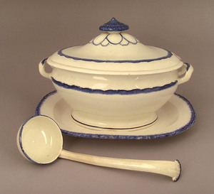 Leeds blue feather edge tureen and ladle, 19th c.,