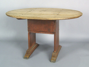 New York chair table, mid 18th c., with an oval to