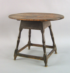 New England Queen Anne maple tavern table, ca. 174