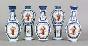 Chinese export porcelain five piece garniture set