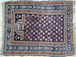 Caucasian prayer rug, ca. 1915, 5'4