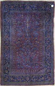 Sarouk throw rug, ca. 1920, with overall floral de