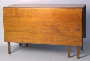 Federal walnut drop leaf table, early 19th c., 29