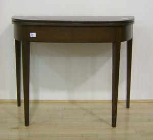 Hepplewhite mahogany card table, ca. 1810, 29 1/2