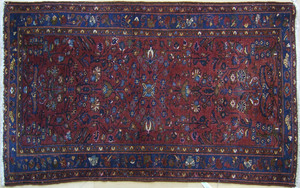 Hamadan throw rug, ca. 1920, with overall floral d