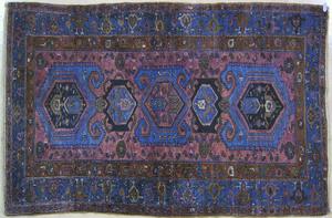 Hamadan throw rug, ca. 1920, with 3 medallions on