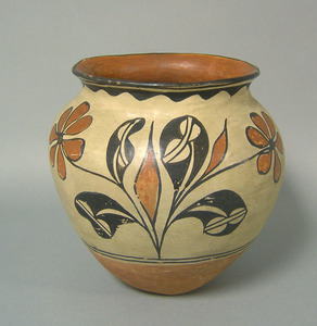 Southwest Santo Domingo olla, early 20th c., withr