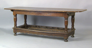 Oak refectory table, ca. 1720, with an oblong mold