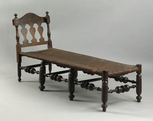 Pennsylvania William & Mary maple daybed, ca. 1730