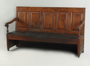 Philadelphia William & Mary walnut settle bench, c