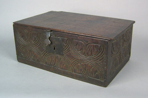 Jacobean oak coffer, 17th c., with incised carvede