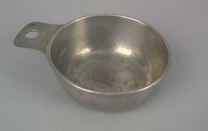 York, Pennsylvania pewter porringer, 1780-1790, at