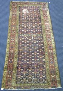 Hamadan throw rug, 8'7