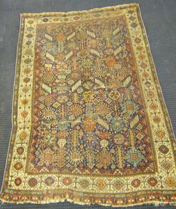 Shirvan throw rug, late 19th c., 8'5